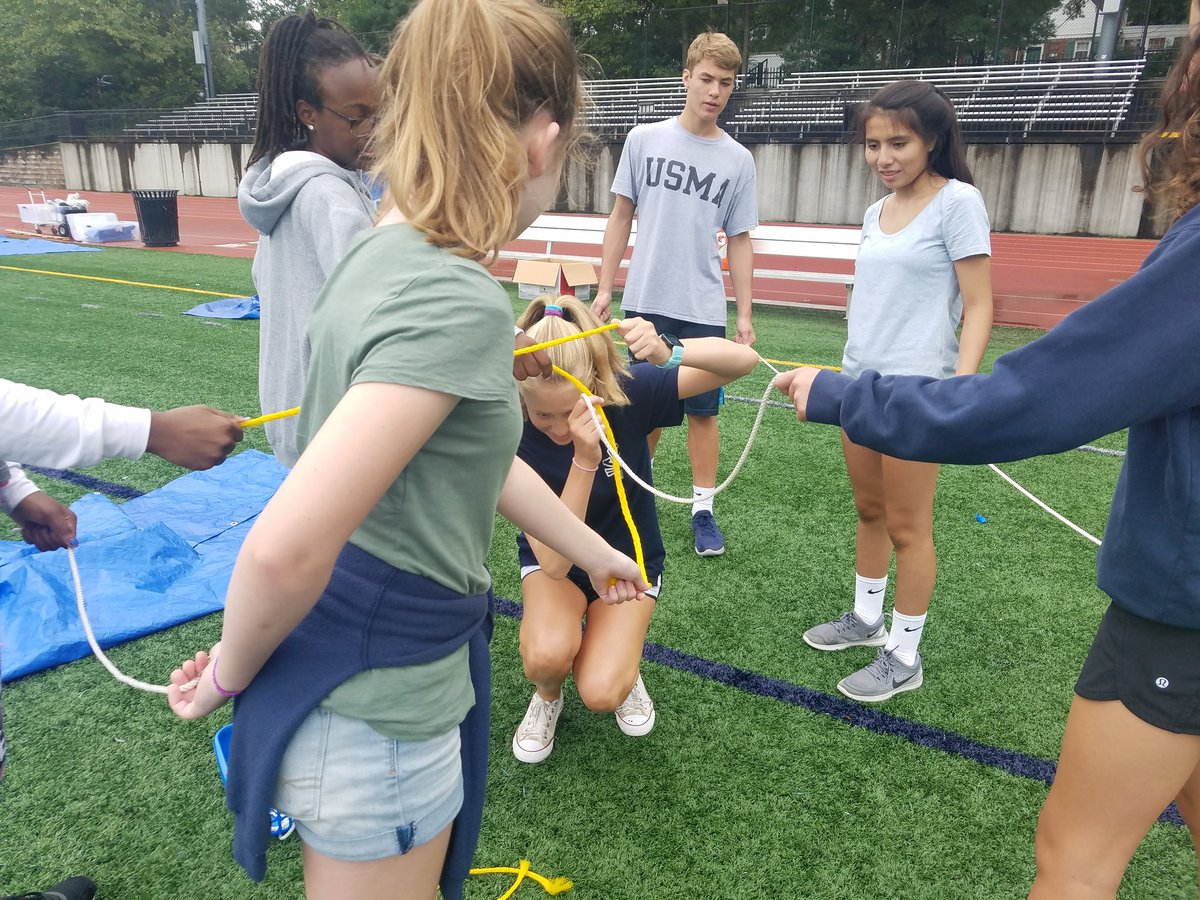 YHS Freshmen Team Building Day gives freshmen and their mentors a chance to get to know each other. <a target='_blank' href='http://twitter.com/YorktownHS'>@YorktownHS</a> <a target='_blank' href='http://twitter.com/APSVirginia'>@APSVirginia</a> <a target='_blank' href='http://twitter.com/YorktownSentry'>@YorktownSentry</a> <a target='_blank' href='http://twitter.com/Principal_YHS'>@Principal_YHS</a> <a target='_blank' href='http://twitter.com/yhscounseling'>@yhscounseling</a> <a target='_blank' href='https://t.co/HX3RefP1C7'>https://t.co/HX3RefP1C7</a>