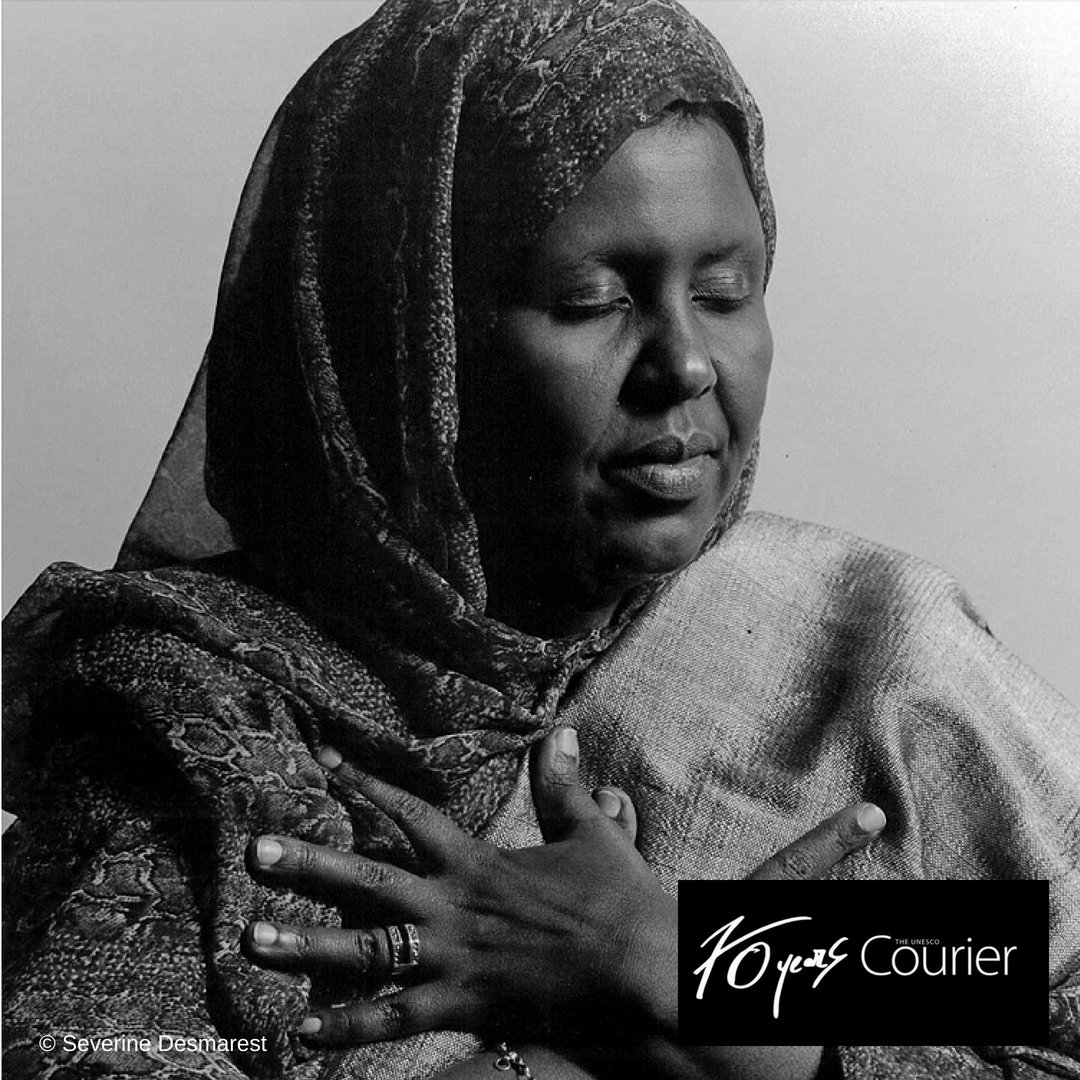 For Asha Hagi Elmi, 'peace is as life-giving as oxygen'.  On International #PeaceDay, the #UNESCOCourier invites you to define PEACE IN YOUR OWN WORDS.  The Top 10 messages will be published in the Courier at the end of the year.  Check it out 🗞️ https://t.co/CKSntU5LRm