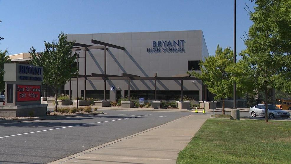 A Bryant High School student accused of choking a girl into unconsciousness faces a charge of attempted murder. But her family says the incident has been 'blown out of proportion.' https://t.co/rWHQRLkx6N | #arnews