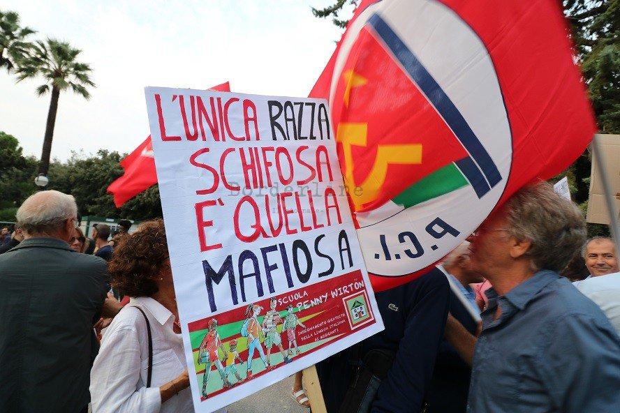 #Bari, aggrediti al termine del #Corteo contro Salvini: blitz di estremisti al quartiere Libertà https://is.gd/NJSiWS#Apertura #MaiConSalvini #Violenza  - Ukustom