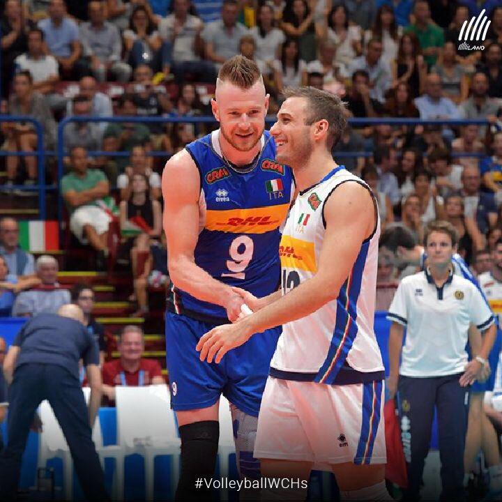 Questa #Milano regala sorrisi ed emozioni: il Forum, trasformato nella scala del #volley, è stata la cornice per la 6ª vittoria dell'Italia (3-0 sulla Finlandia ) #WCHs #FIVBMensWCH #VolleyballWCHs #VolleyMondiali2018 #LaNazionale #Volleyball #Pallavolo #LiberaICani  - Ukustom