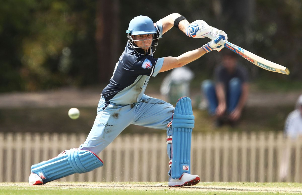 Steve Smith going along nicely in his return to @PremCricketNSW for Sutherland. Follow his progress here:  http:// mycricket.cricket.com.au/common/pages/p ublic/rv/match.aspx?locx=MATCH&amp;matchID=2924841 &nbsp; … <br>http://pic.twitter.com/5L0O3RiMML