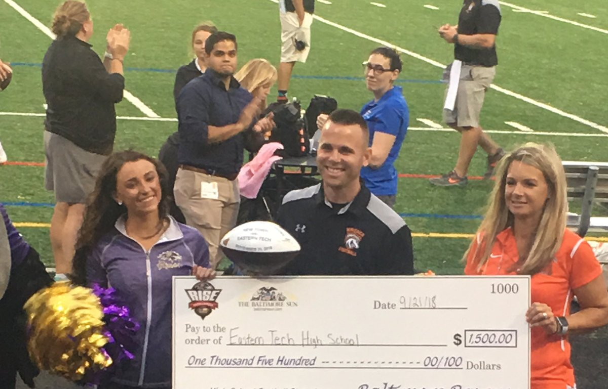 Great night for football! Tech on top 14-7 over New Town,  Mavericks improve to 4-0. Thank you Ravens for your support and generosity. @EasternTechHS<br>http://pic.twitter.com/HmnUwOKkZv