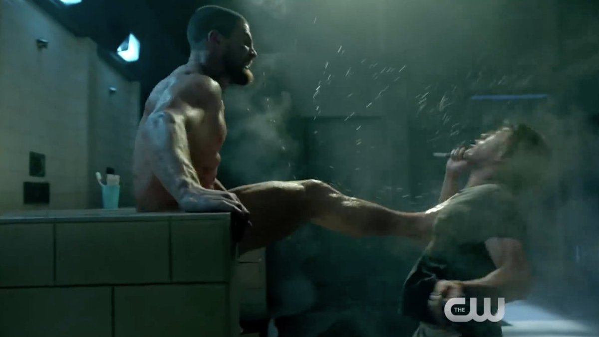 Oliver Queen's butt naked and kicking ass in the latest Arrow season 7 trailer https://t.co/tQfkEEFSff