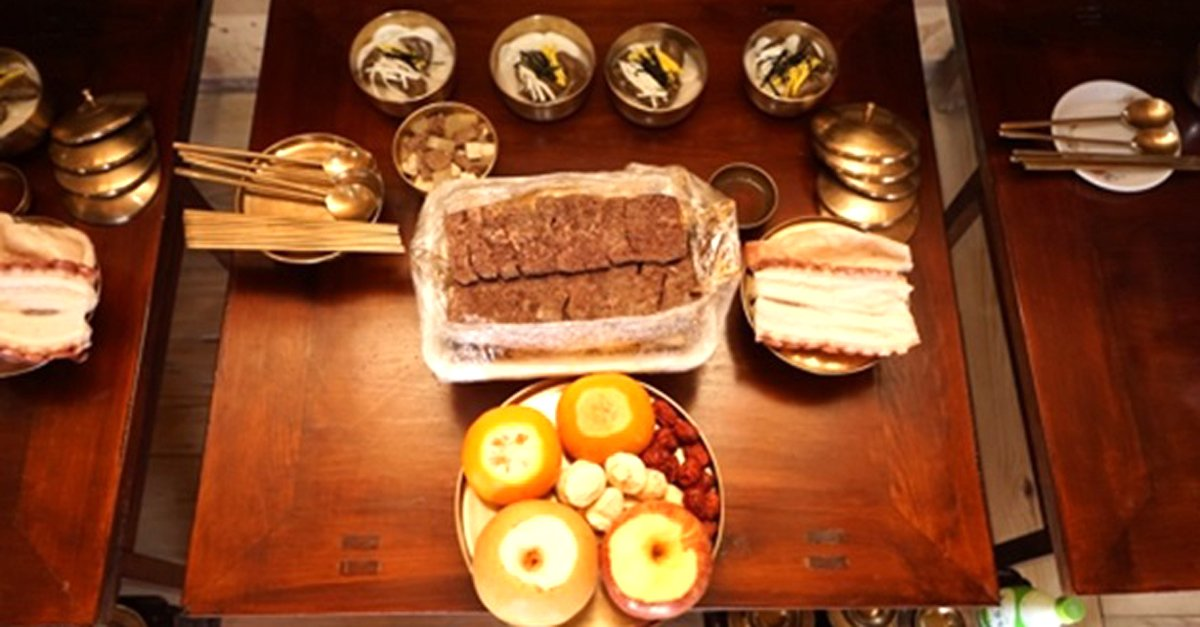 """""""차례 음식 간소화가 현대식?… 간소함이 본래 모습이다""""  여러분은 지금 광산김씨 유일재 종가의 차례상을 보고 계십니다.  https://t.co/2re60AlBOK"""