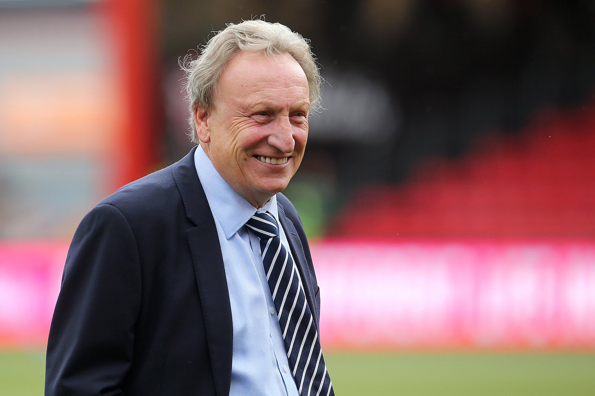 💬 Paul Peschisolido on Neil Warnock taking the Sheffield Utd squad bowling: He convinced us all to put £10 in a pot, winner takes all. We agreed for some fun, then he pulled out his own bowling shoes and custom ball, shot 250 and took all our money. 😂 Brilliant!