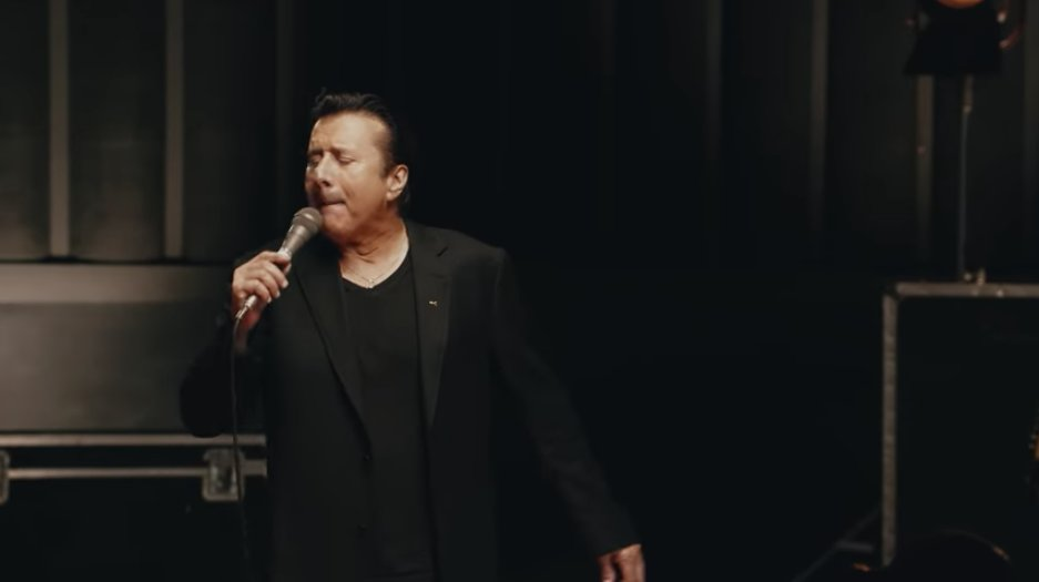 Watch the video for Steve Perry's celebratory song 'We're Still Here' https://t.co/wpAwOcrK4z https://t.co/thqDuYrhgE