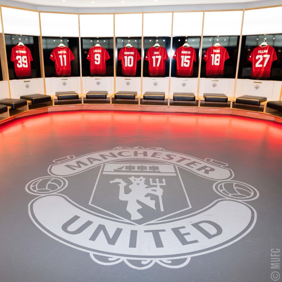 """Manchester United On Twitter """"There Are Dressing Rooms And"""