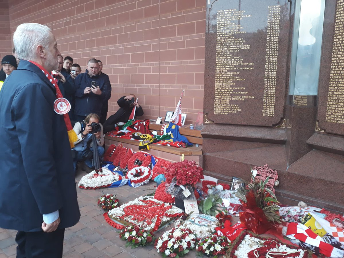 On behalf of the Labour Party, I laid a wreath at Anfield in memory of the 96 children, women and men who lost their lives at Hillsborough. And we pay tribute to the families and survivors who fought tirelessly for the truth and for justice. #LIVSOU #JFT96