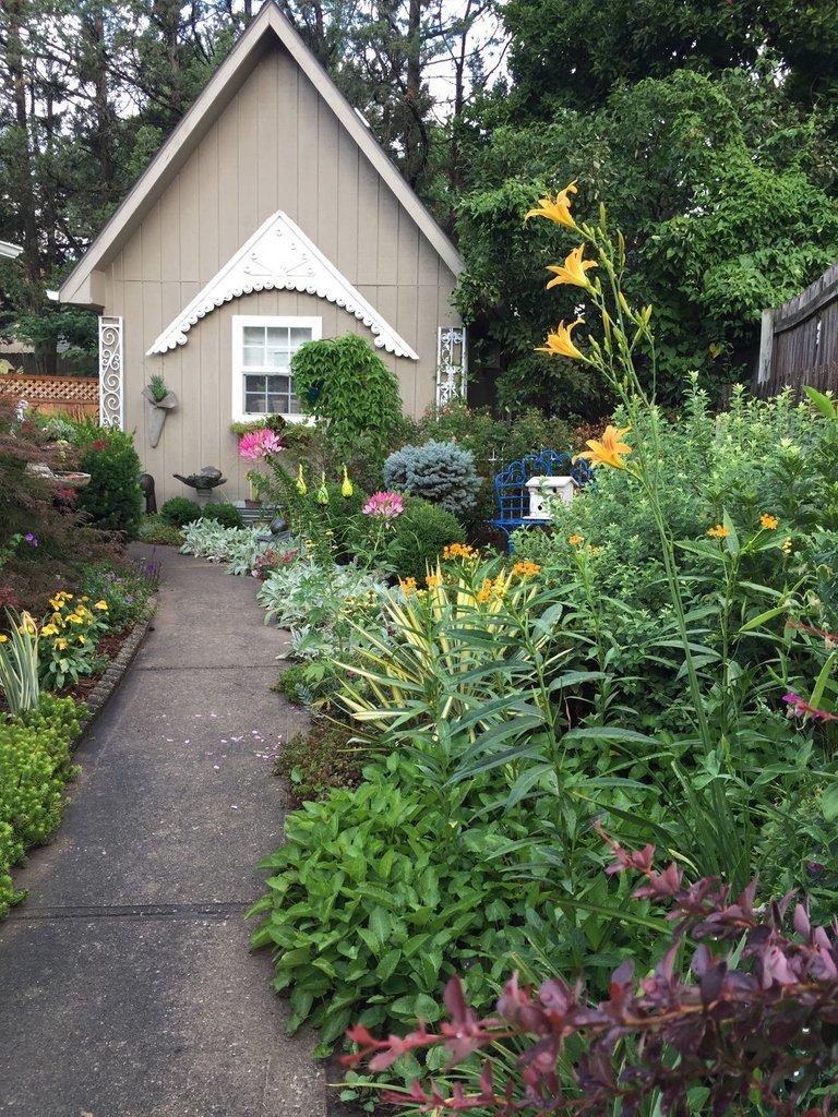 Fine Gardening On Twitter Garden Photo Of The Day Gorgeous Garden