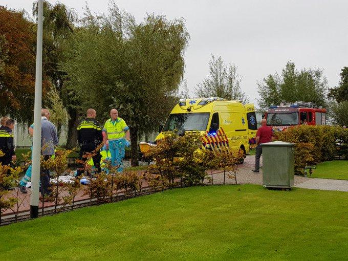 sGravenzande Ongeluk aan de Poelkade Nog niet bekend wat er gebeurt is. Veel hulpdiensten tp.. meerdere gewonden https://t.co/Fwsoio1JJC