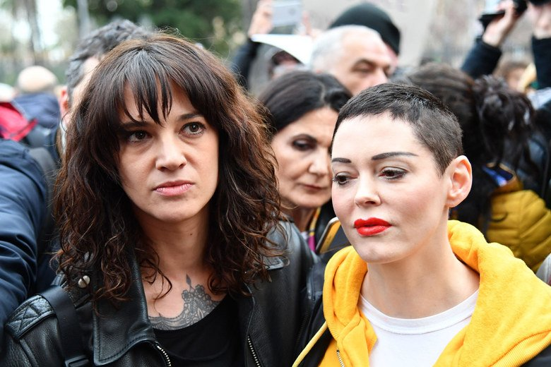 Why the feud between Asia Argento and Rose McGowan is so incredibly dispiriting: https://t.co/X9Vsbhfzeu