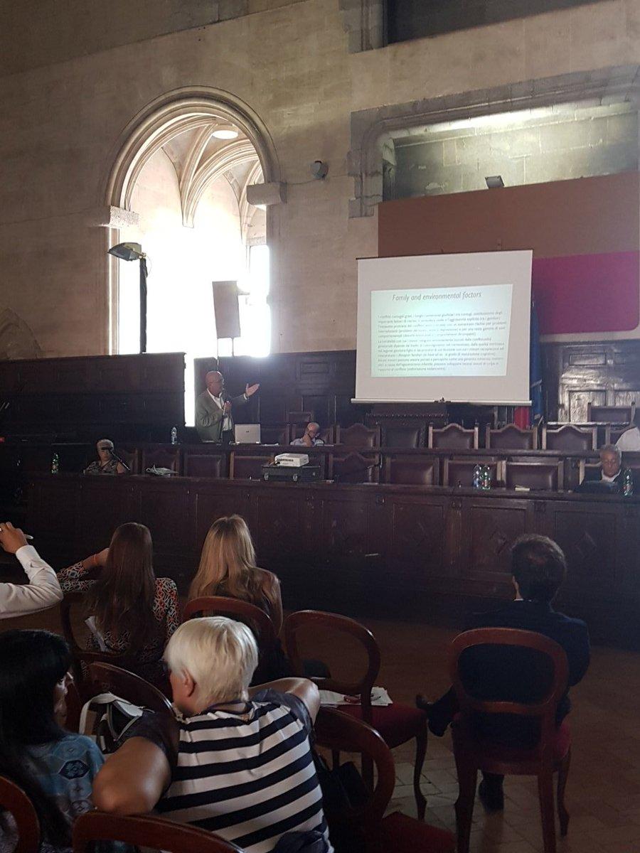 #camerini Esternalizzare il conflitto separativo dai tribunali è un fattore protettivo dei bambini.#Napoli #bigenitorialità #affidocondiviso  - Ukustom