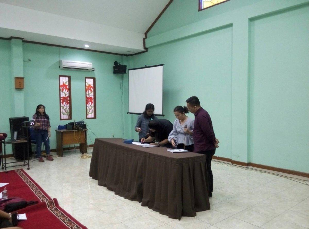 """[REPORT] Sabtu, 22 September 2018  Serah terima jabatan kepengurusan Unit Kegiatan Mahasiswa """"Persekutuan Mahasiswa Kristen Masa Bakti 2018-2019"""" @PMK_UTAMA"""