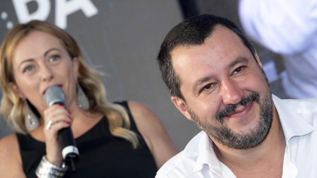 """Salvini: """"Con Berlusconi solo accordi locali. Il governo si poteva allargare a Fdi non a Forza Italia"""". Poi attacca la Raggi: """"Poteva fare di più"""" https://t.co/wYXI7jIWMb"""