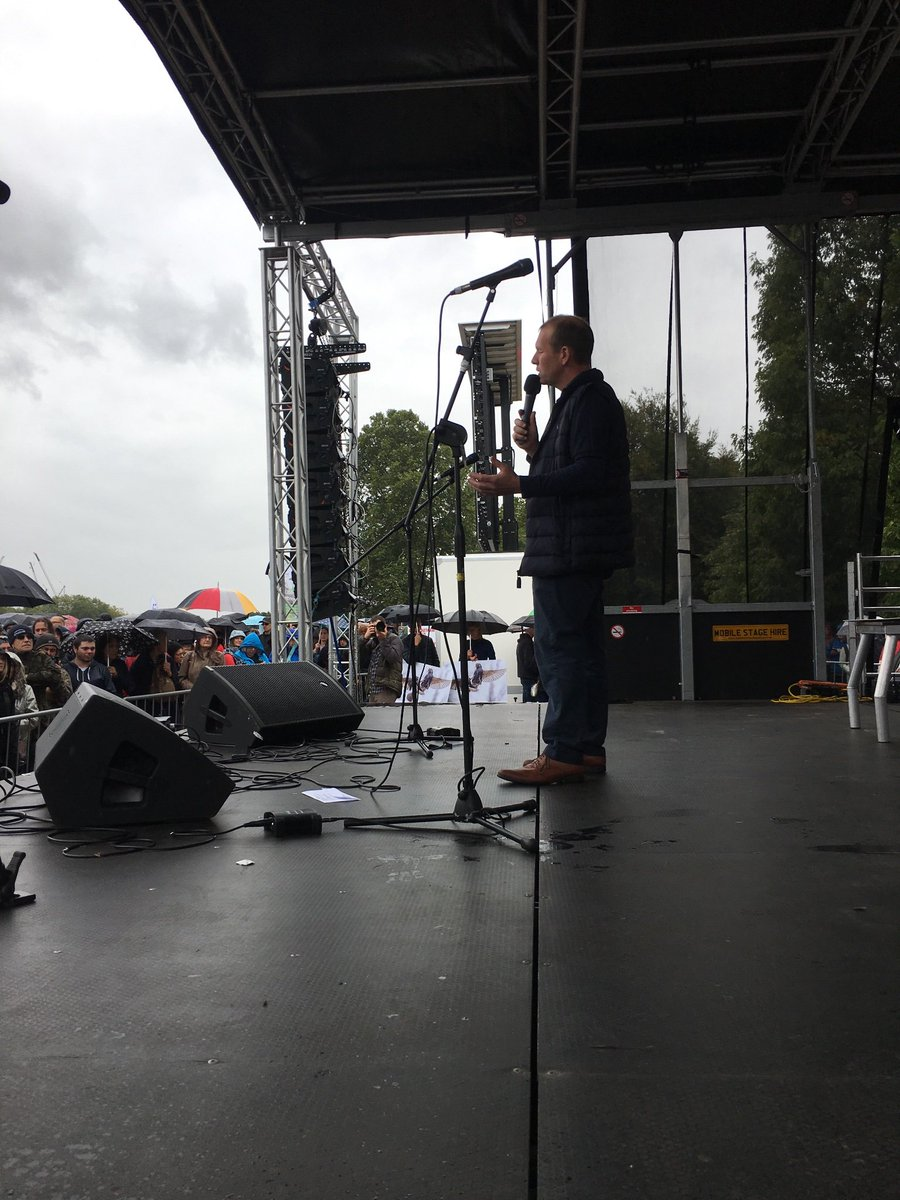 Farmer Martin Light takes to the #PeoplesWalkforWildlife stage to talk about a new network of nature friendly farmers that is coming to make changes work and the importance of supporting your local farmers who are working hard to produce safe, healthy food @ciwf<br>http://pic.twitter.com/djtwt6K3OM
