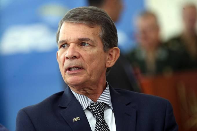 >@brdezoito 'Forças Armadas respeitarão urnas', diz general Joaquim Silva e Luna https://t.co/WhXb13EXMZ