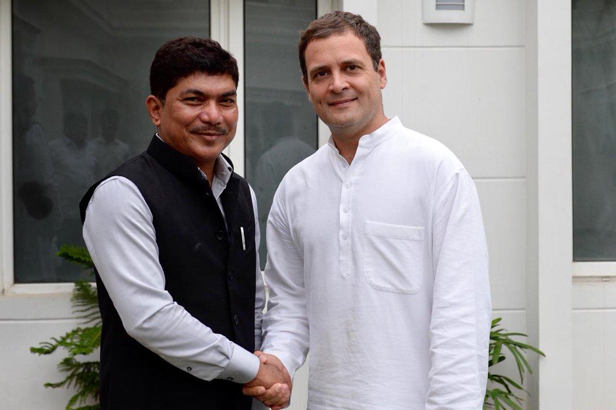 Congress President @RahulGandhi met Shri Zenith Sangma,  the newly appointed Secretary for @INCArunachal