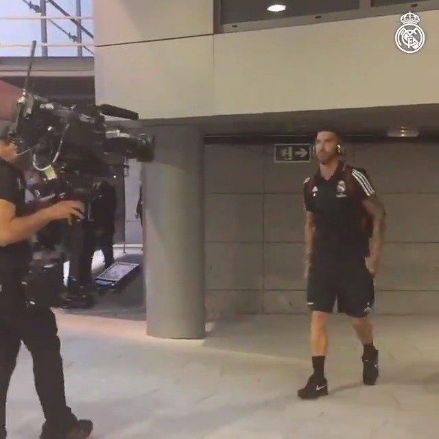 ���� ¡Ya estamos en el Bernabéu!  #RMLiga | #HalaMadrid https://t.co/JTzA5dj2AK