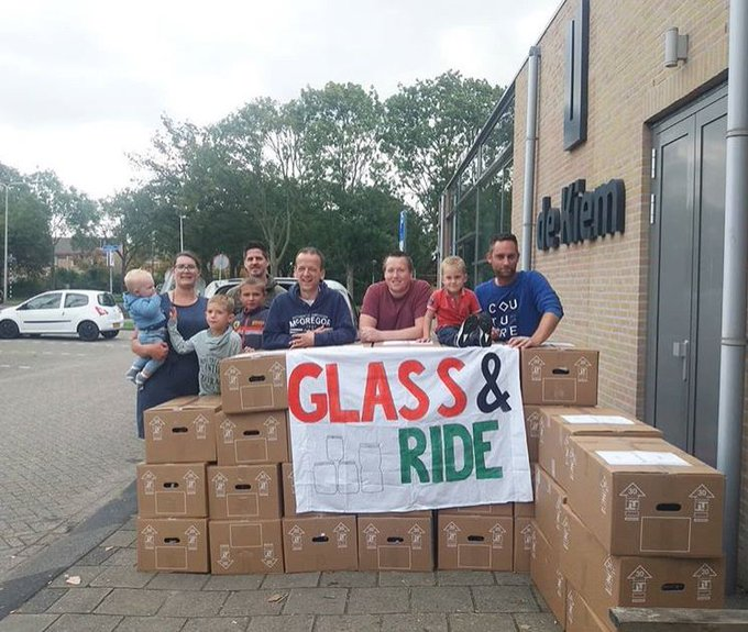 Glass & Ride levert 2200 potjes op voor Kerstwandeling https://t.co/17aBpjWp24 https://t.co/HN4Mi22AZ6