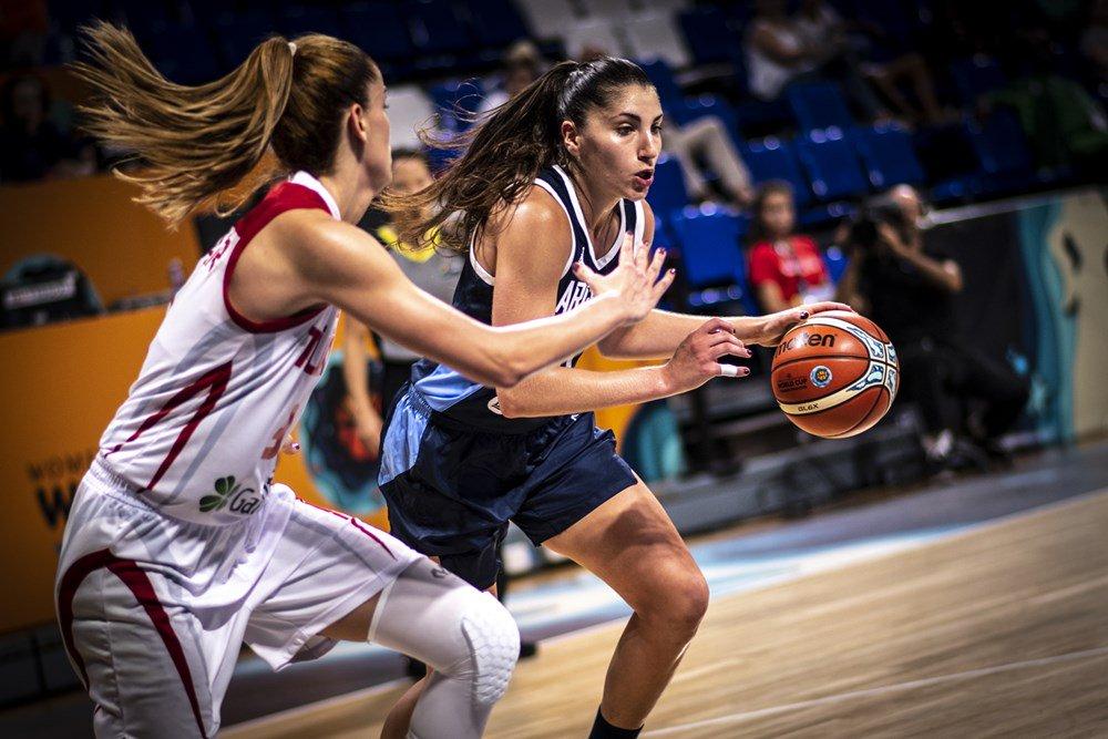 Defensive clinic gets Turkey off the mark in San Cristobal de La Laguna! #FIBAWWC Final Score: 🇹🇷 63-37 🇦🇷 📰 go.fiba.basketball/LiveBlog_FIBAW…