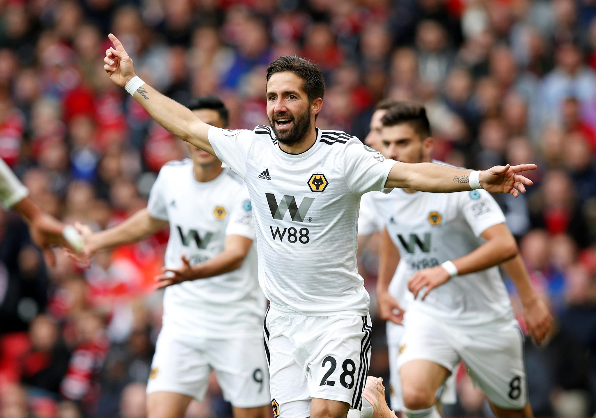 ��Wow Moutinho  Man Utd 1-1 Wolves (60 mins)  #MUNWOL https://t.co/tbZ0Bv8qk7