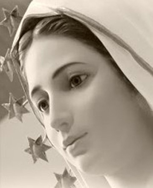 Ore 18 - La Madre della Salvezza ci invita alla preghiera del Santo Rosario#Gesù #Via #Verità #Vita #Salvezza https:// www.facebook.com/photo.php?fbid=2200377580004366&set=a.242597375782406&type=3&theater  - Ukustom