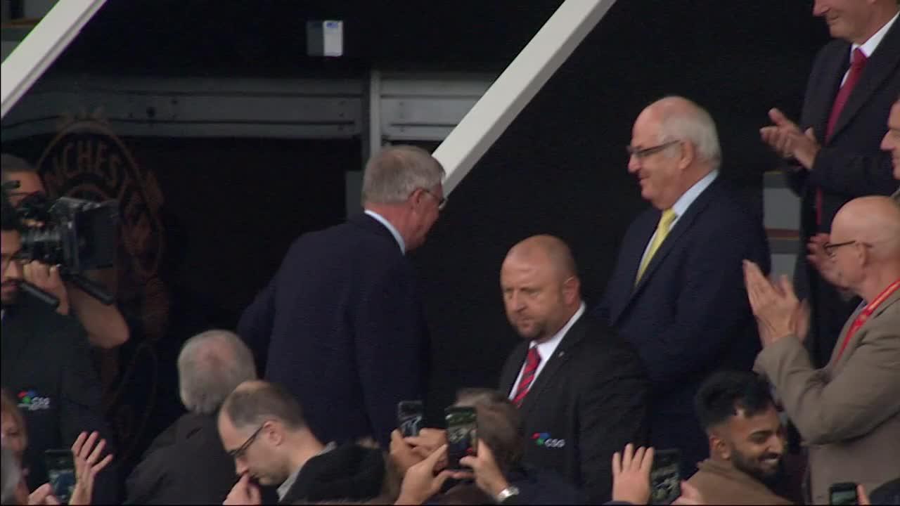 �� Sir Alex Ferguson back at Old Trafford ��  More: https://t.co/ml7dM8slih https://t.co/93ksRSa9MW