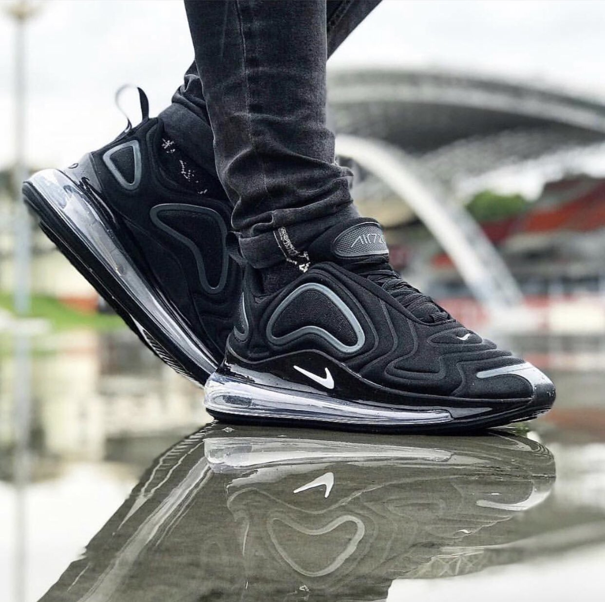 paix sur vous m nn s on twitter premi re photo de la nike air max 720 on feet m nn s au. Black Bedroom Furniture Sets. Home Design Ideas