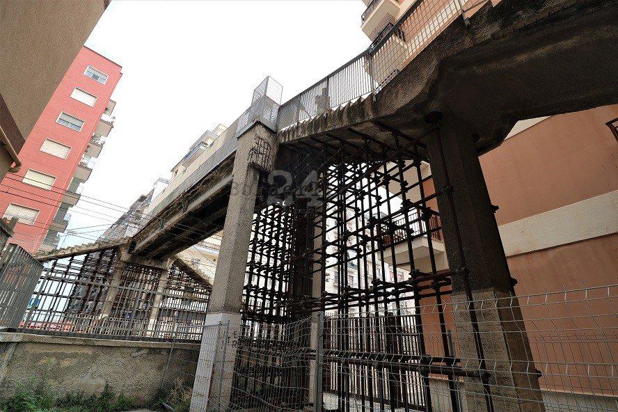 #Bari, addio al #Ponte pedonale di viale Traiano: stanotte comincia la demolizione. Tutti i divieti e i nuovi percorsi dei bus https://is.gd/lXDwuK#Lavori #VialeTraiano  - Ukustom
