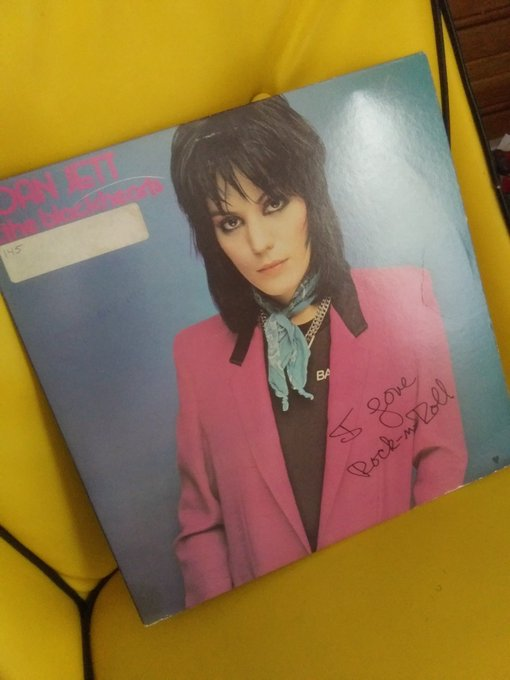 Joan Jett, you make 60 look divine...Happy Birthday from one rocker girl to another!!
