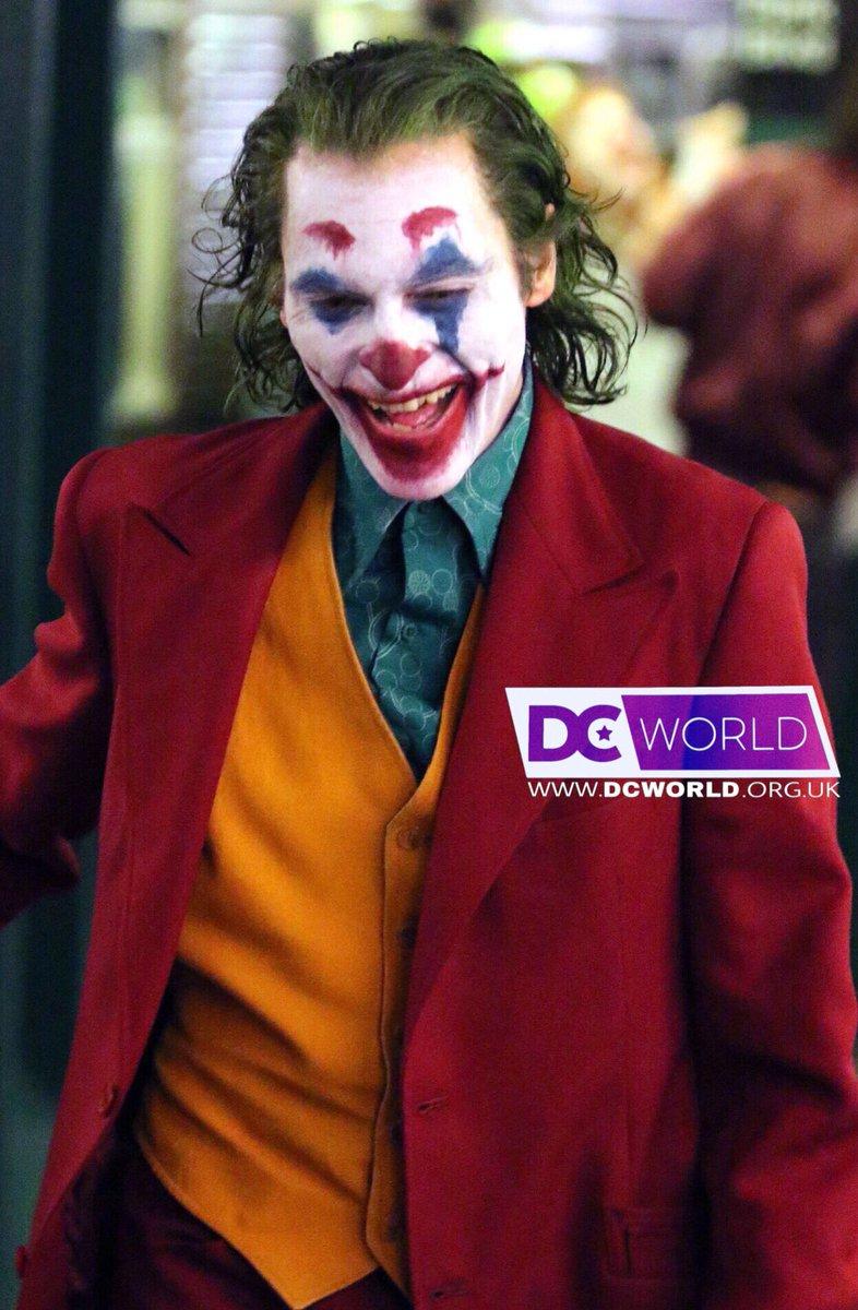 [Lo que se viene] Joker  Dnu1qbbWkAUM6PJ