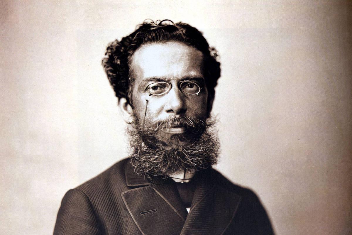 Pesquisador encontra letra do hino nacional inédita escrita por Machado de Assis https://t.co/KboMQsHdrA