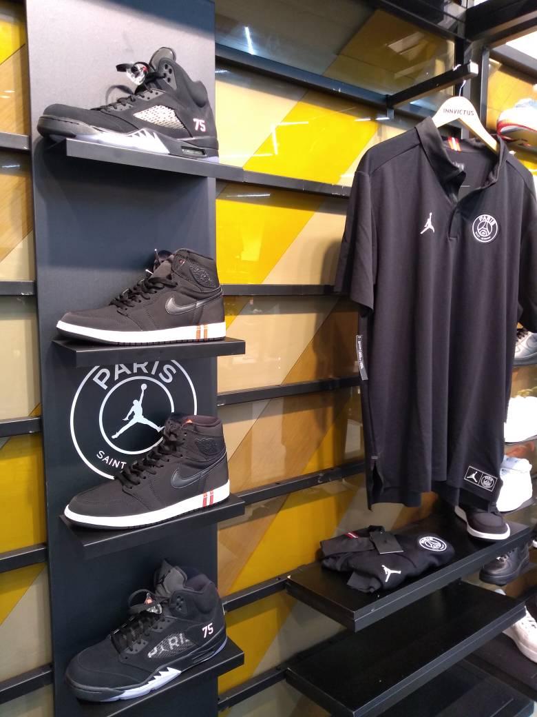 Jordan Paris Saint Germain, sneakers y playera en @InnvictusMX #hoops #jordan #psg  - FestivalFocus