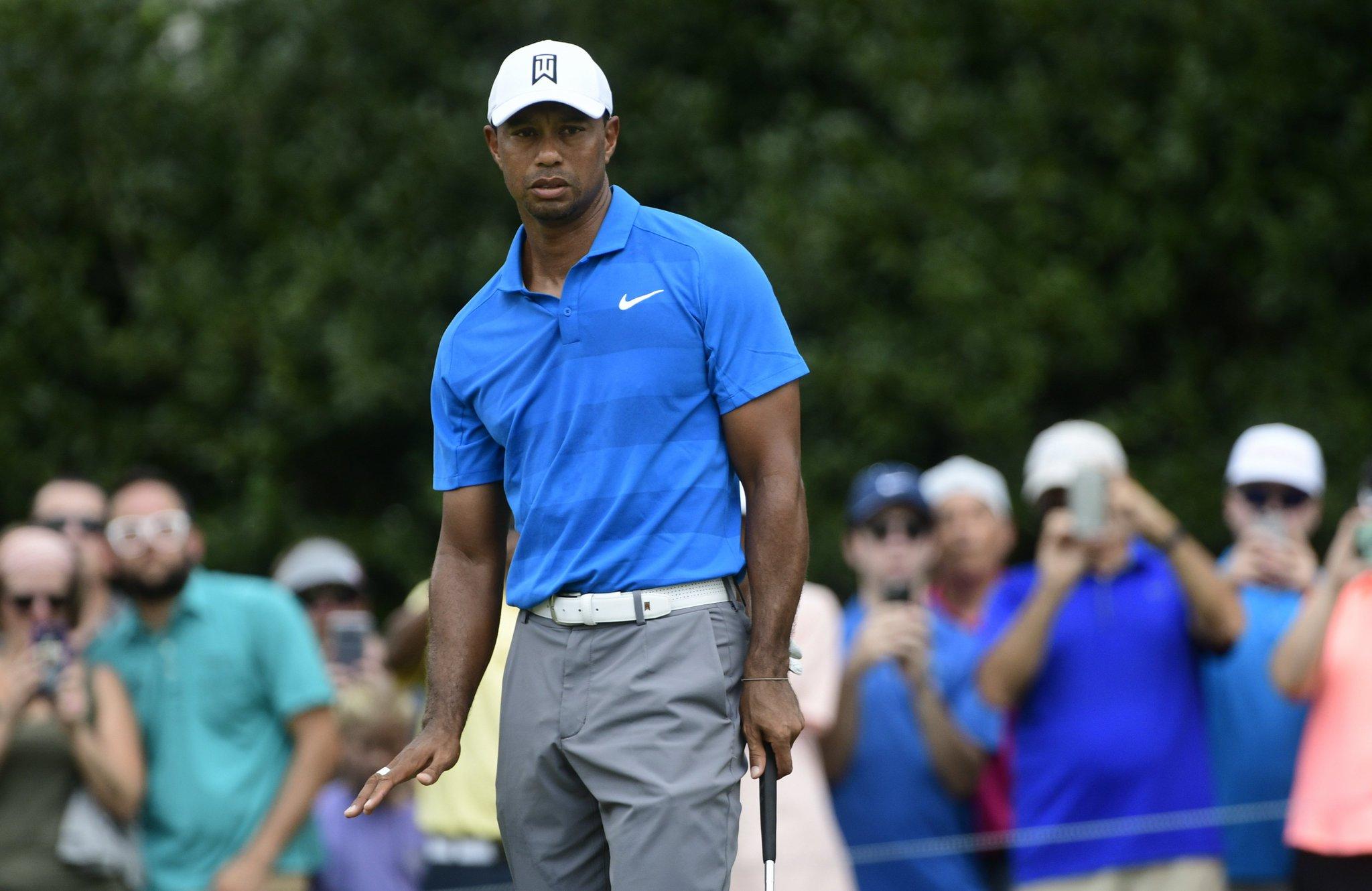 Tiger Woods today:  Birdie Par Birdie Birdie Birdie Birdie Birdie  �� leads by 5 https://t.co/BHfCFKHNAX