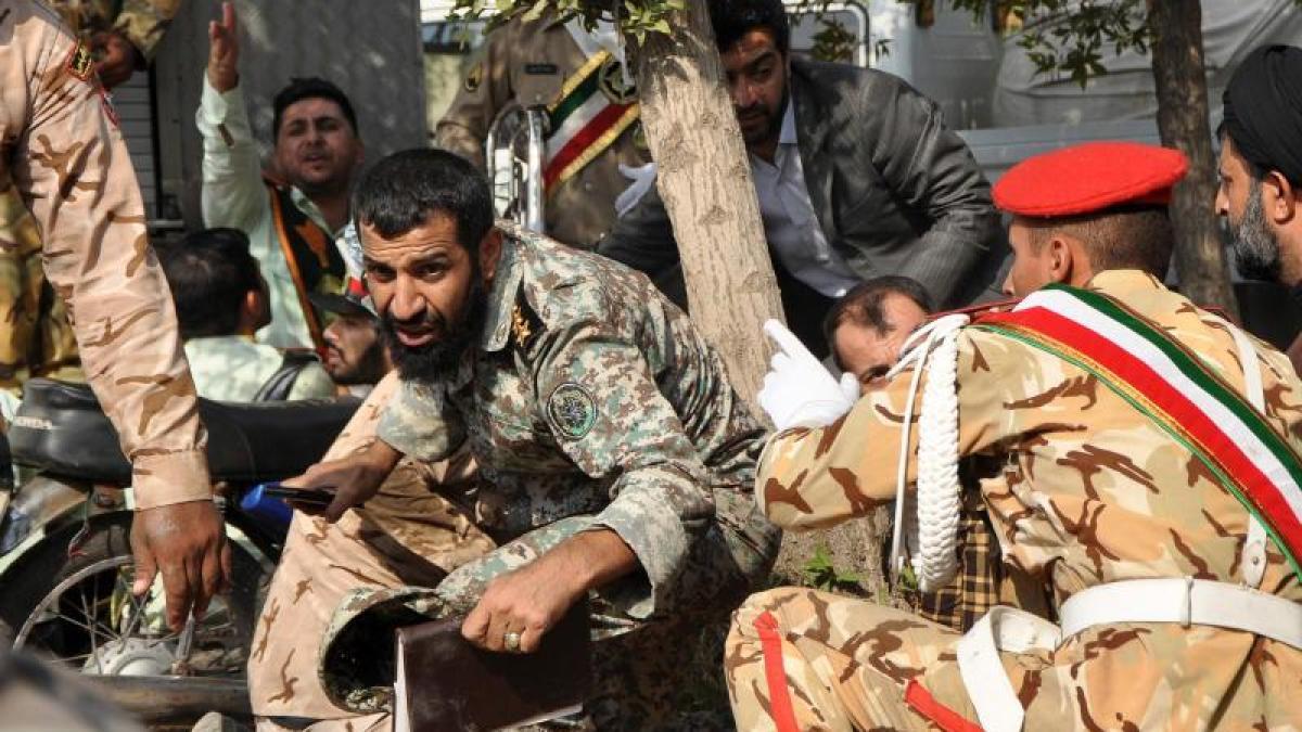 Anschlag auf Militärparade – Mindestens 24 Tote https://t.co/pVcakoQq9s