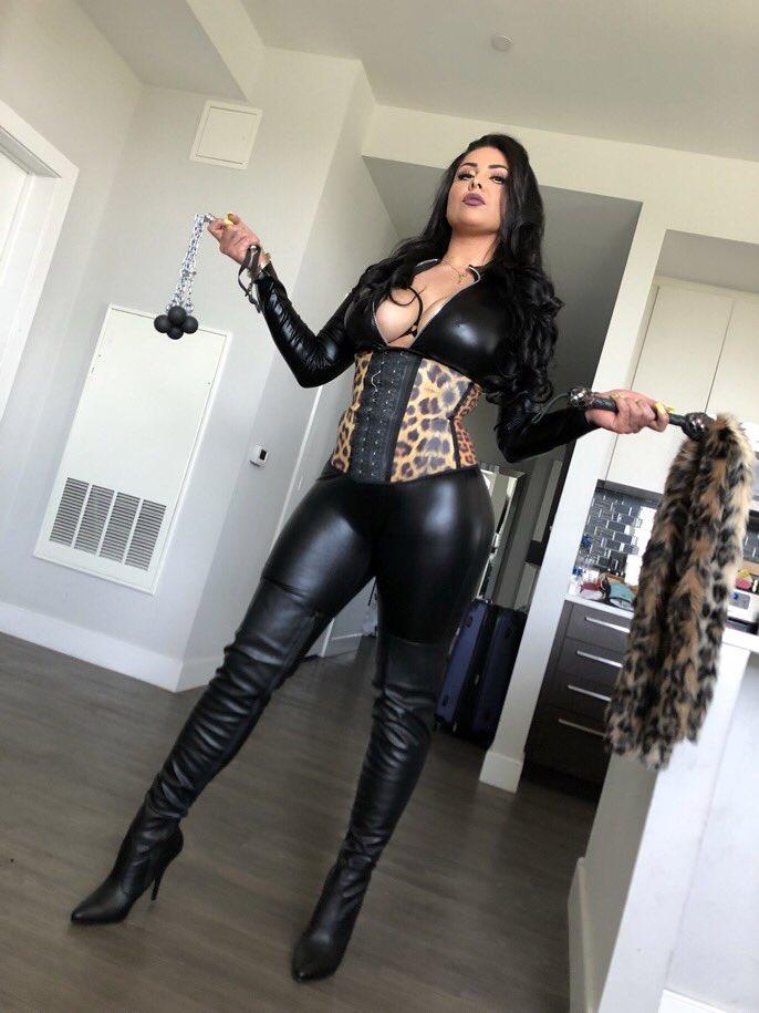 MUST #FOLLOW & #RT   ゚リペリヘ @LaughingLatina ゚リペリヘ  ゚ヤᆬ゚ヤᆬ Sexy ゚ヤᆬ゚ヤᆬ #Domme  #GoAndWorshipHer ¬ンᄂᄌマ¬ンᄂᄌマ https://t.co/eoJLmcUCTe