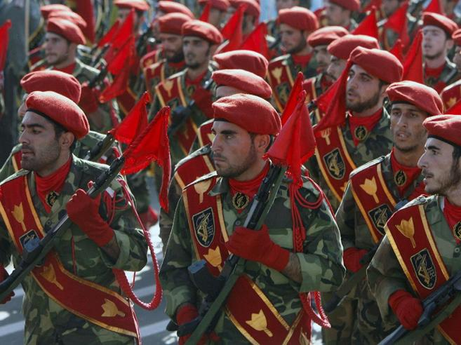 Iran, attacco terroristico alla parata militare: 29 morti | Cosa sono i Pasdaran https://t.co/2rx6hfFzdv