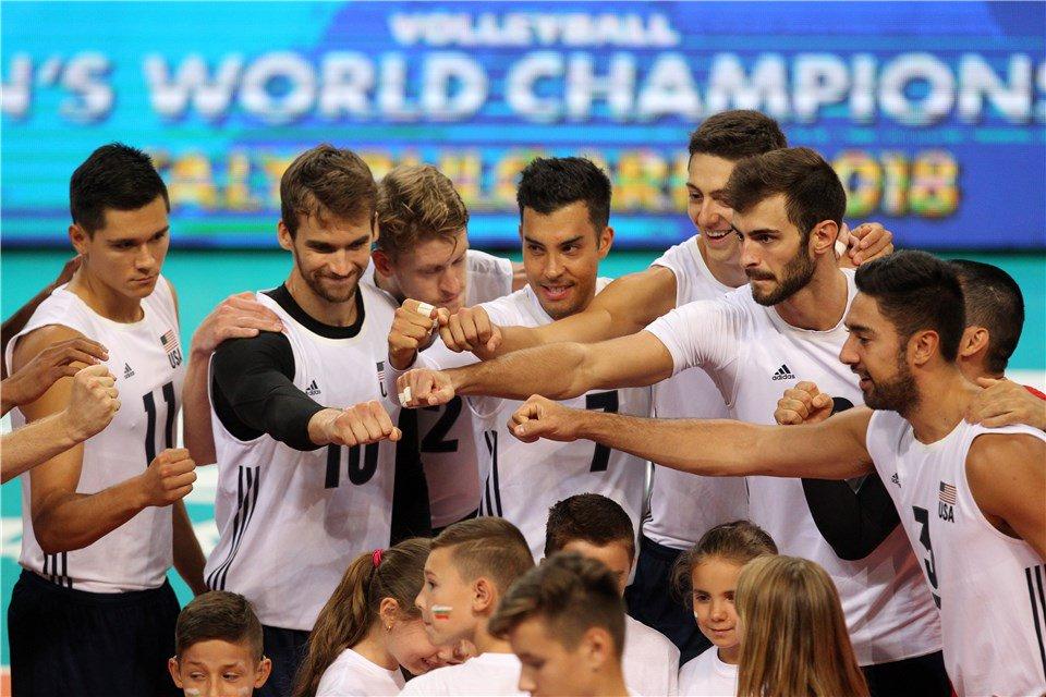 Mondiali: Gli #USA stracciano la #Bulgaria e stravincono la pool  https:// www.volleyball.it/mondiali-gli-usa-stracciano-la-bulgaria-e-stravincono-la-pool/ #FivbMensWCH #VolleyMondiali18 #AaronRussell #Mondiali2018 leggilo su https://t.co/VcBPGLNNCB  - Ukustom