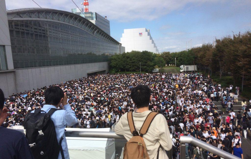 東京ゲームショウ2018の現在の待機列状況。 地球外に脱出する避難民かな? #TGS2018