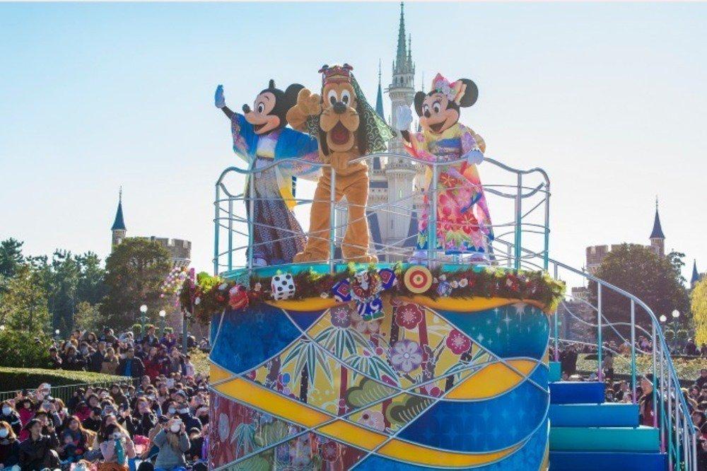 """東京ディズニーリゾートの""""お正月"""" - 着物姿のミッキーマウスによる新年グリーティングや限定グッズ - https://t.co/JsE2ii7kKo"""