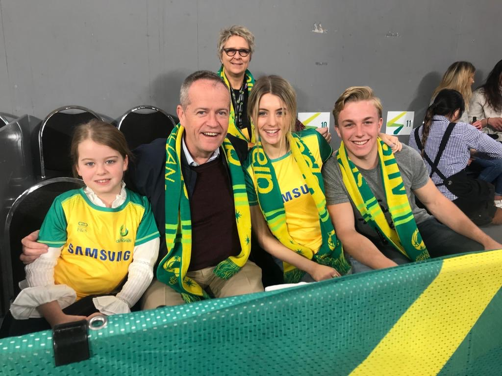 With the girls at the netball. Brilliant win for the Aussies over New Zealand, 60-55!! 🇦🇺🏐