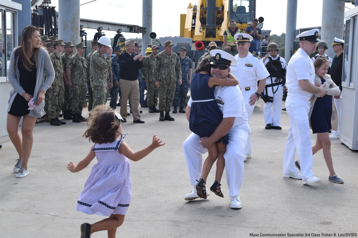 Sailors greet loved ones at Naval Submarine Base New London during the return of USS California (SSN 781). <br>http://pic.twitter.com/dnPjwB8BfF