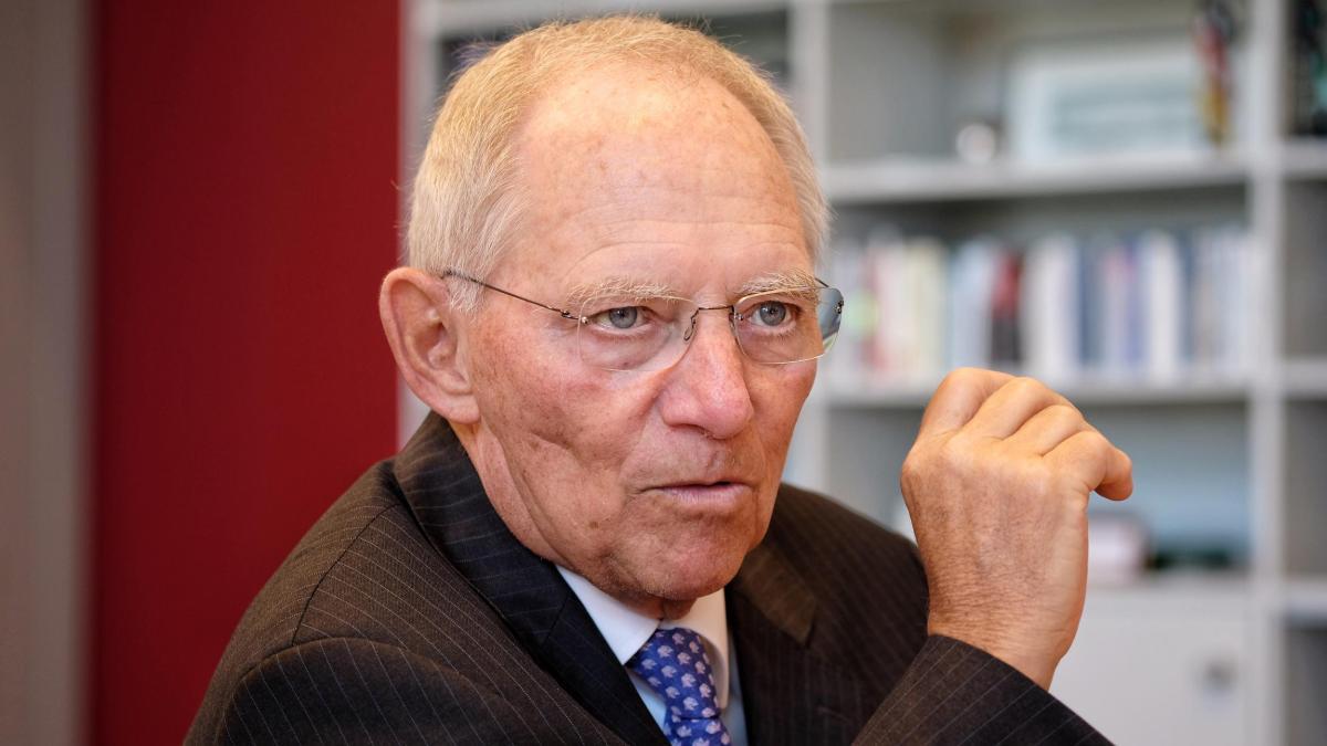 Wolfgang Schäuble: 'Nicht Hoffnung schüren, die Großzahl dieser Menschen zurückführen zu können' https://t.co/euyqgLce2l