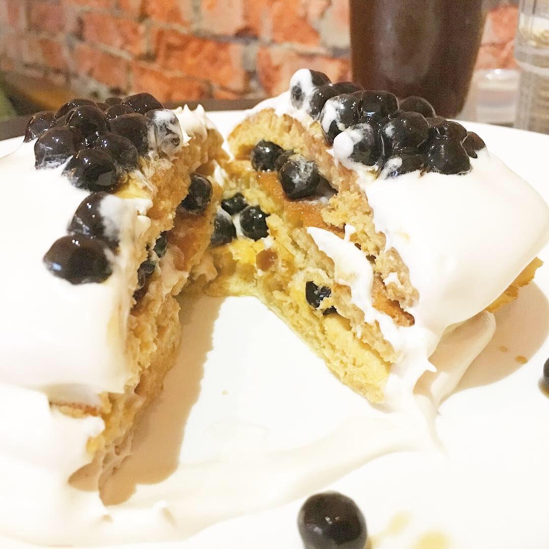 中までタピオカ入り!変わらぬ美味さ♬ 新作のティラミスパンケーキも。 美味すぎるだろーー! パンケーキ 美好年代belleépoque  タピオカパンケーキ 台湾 台湾