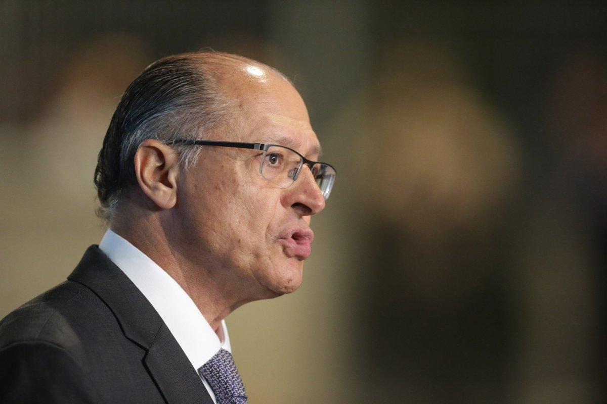 >@brdezoito Alckmin: 'Bolsonaro pode ser pior que PT' https://t.co/YYes6vhTAK