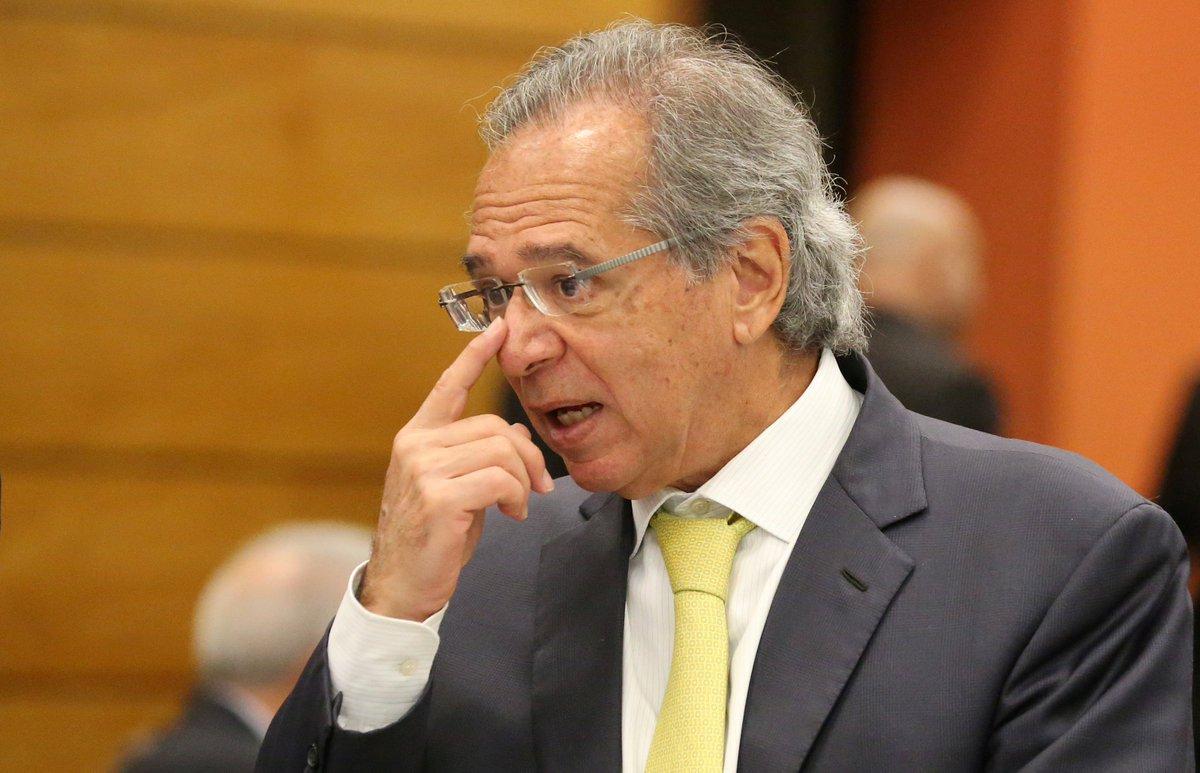 >@soracy Eleito, Bolsonaro poderia 'negociar' Previdência com Temer, disse Guedes https://t.co/tvR8s66znR