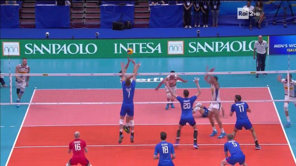 Anche oggi la dose di #volleyTattica su #ItaliaRussia(commento tecnico: che match!)#Giannelli quando ripete non è mai banale: #Zaytsev era stato appena murato e #Volkov ritiene che verrà tenuto fuori dall\