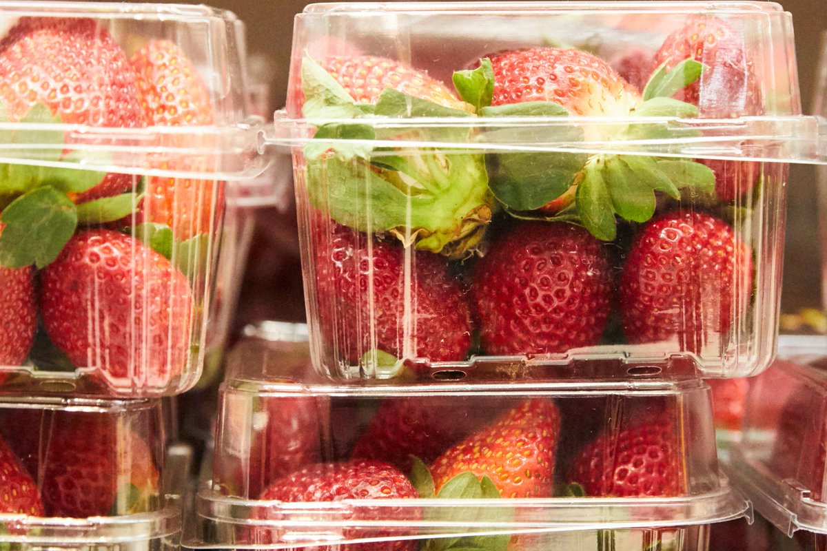 New Zealand supermarket finds needles in a box of Australia strawberries https://t.co/PsuNvFiEpw