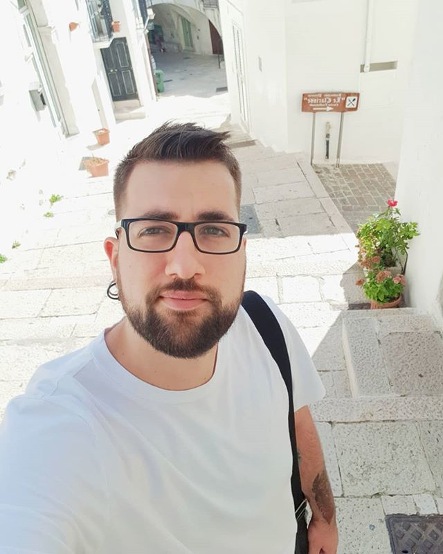 E fu così che mi persi nei i vicoli  Buongiorno  #buongiorno #giorno #nerd #nerdboy #otaku #otakuboy #ashurascorner #sonno #stanco #stanchezza #addio #maiunagioia #disagio #followme #instalike #instacool #cute #kawaii #instaboy #selfie #self… https://ift.tt/2zoLGdu  - Ukustom